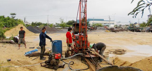 การเจาะสำรวจดิน Wash Boring featuring Rotary drilling rig